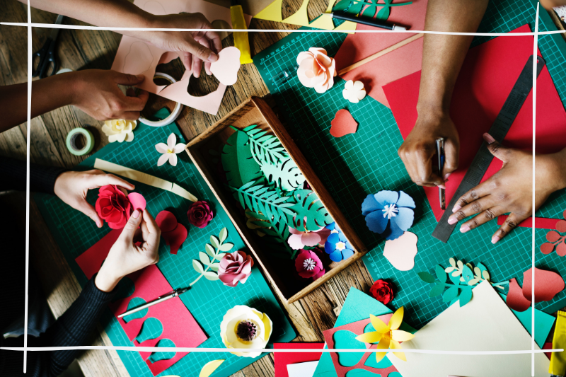 cutting paper flower for home crafts
